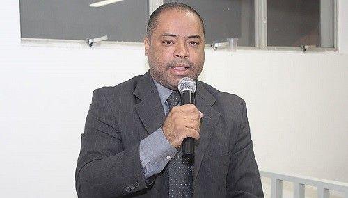 Uberdan Cardoso move ação contra prefeito