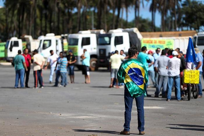 Caminhoneiros sinalizam novos protestos