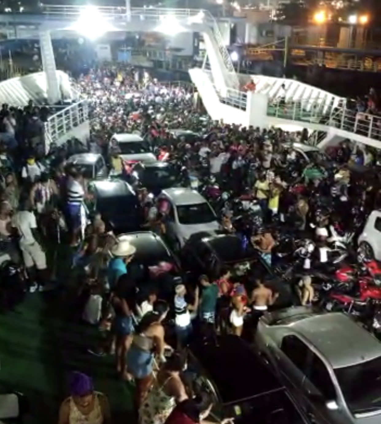 Imagens do ferry ontem a noite