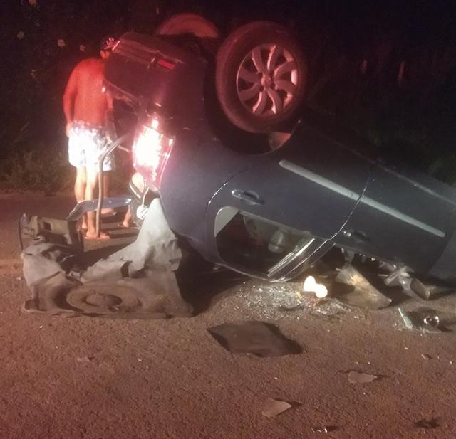 Motorista perde controle e carro capota na BA-540 em Amargosa