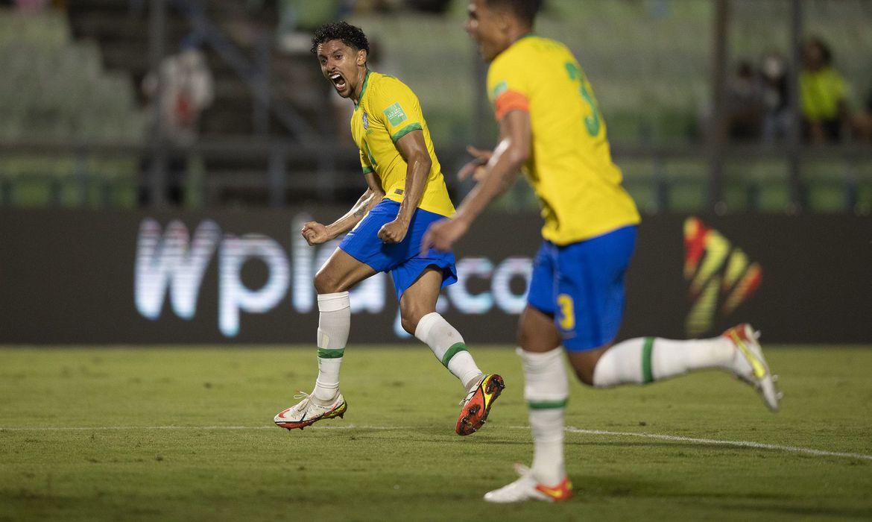 Brasil vence a Venezuela