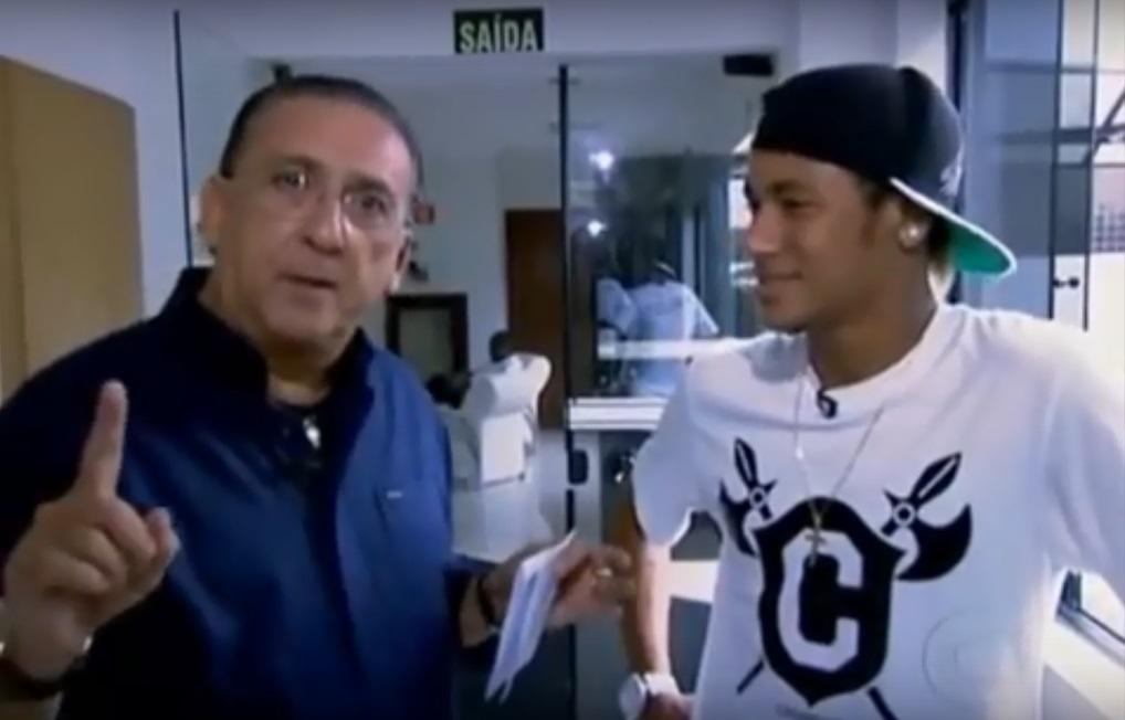 Galvão Bueno faz comentário após jogo e web aponta xingamento a Neymar