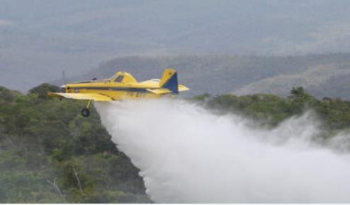 Aeronaves auxiliam no combate aos incêndios florestais