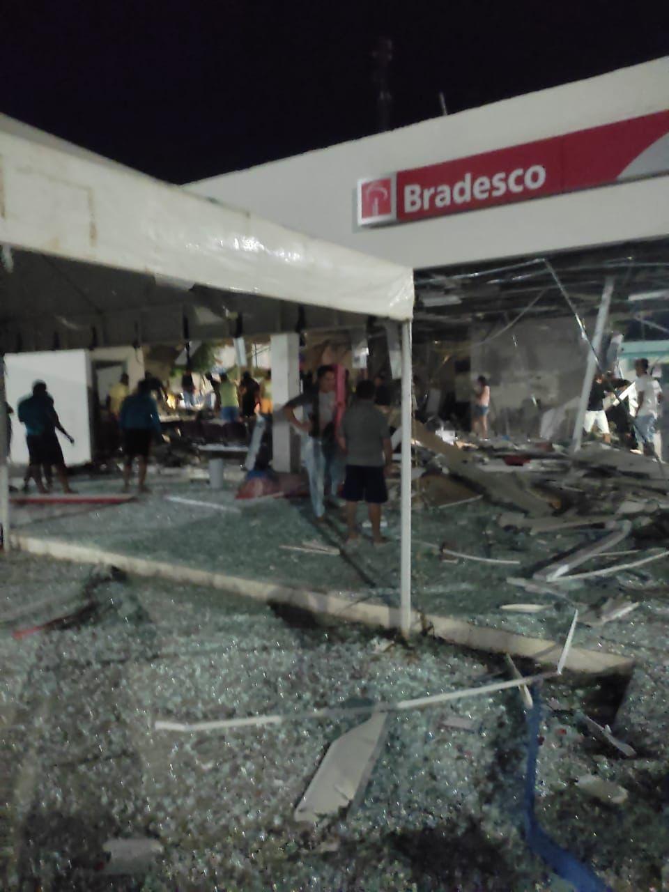 Agência do Bradesco é explodida em Chorrochó