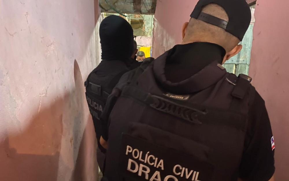 Suspeitos de roubos a bancos morrem após confronto com a polícia